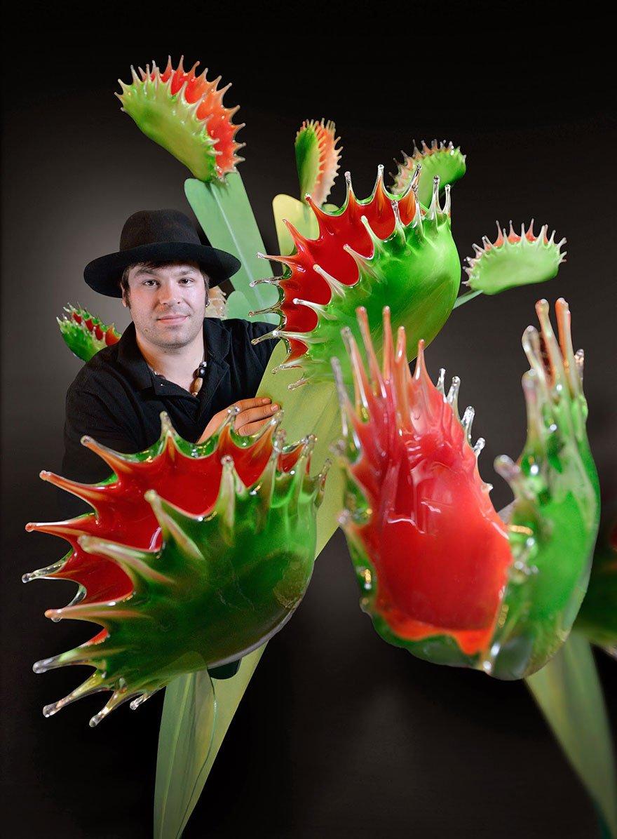 Цветок гигант